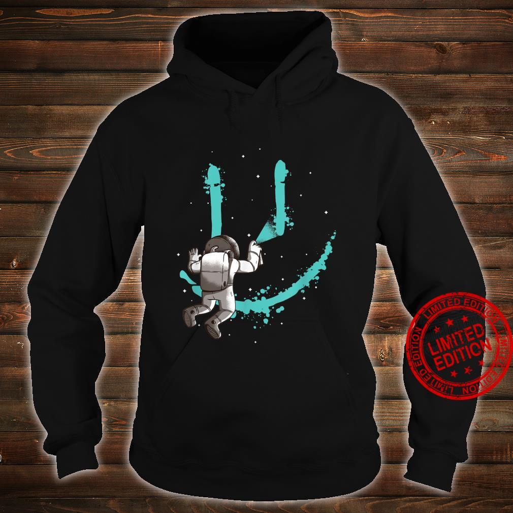 Smile Graffiti mit Astronaut im All Shirt hoodie